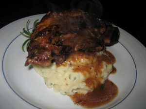 zinfandel-braised short ribs w/rosemary parsnip mashed potatoes